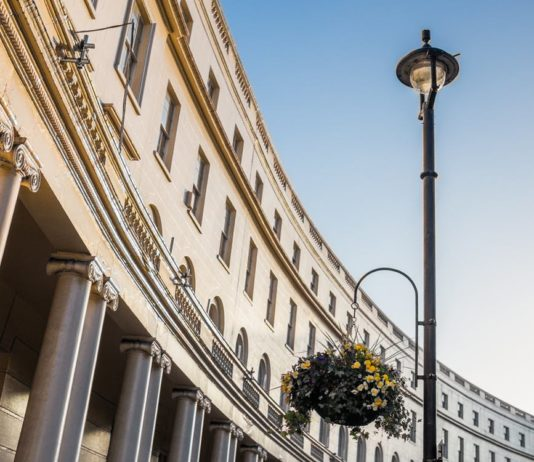 How property price affects friendliness in London