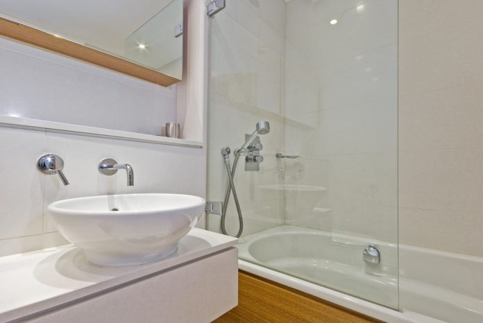 http://sinkandtap.com.au/index.php/bathroom/bath-taps